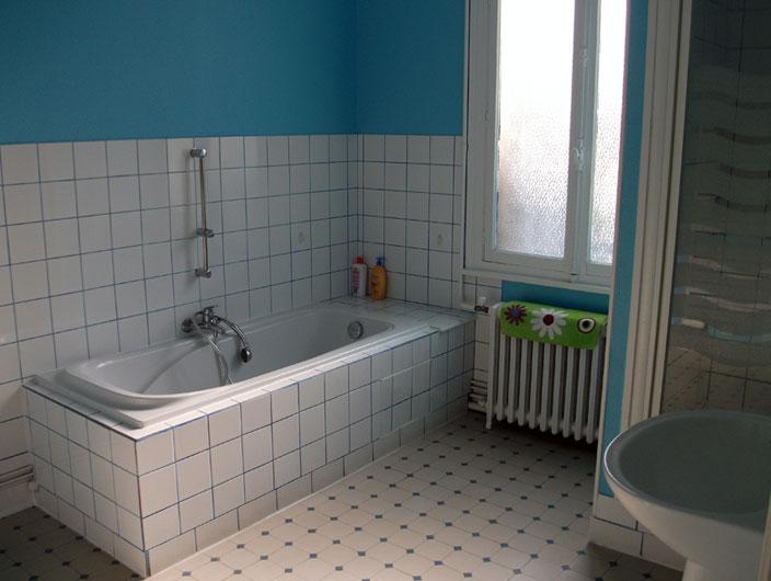 salle de bain pour ado mi85 jornalagora. Black Bedroom Furniture Sets. Home Design Ideas